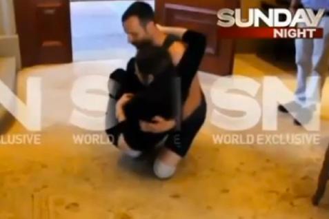 Oscar-Pistorius-reenacts-scene-of-Reeva-Steenkamps-killing-in-strange-video (1)