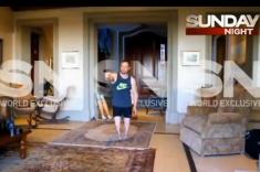 Oscar-Pistorius-reenacts-scene-of-Reeva-Steenkamps-killing-in-strange-video (2)